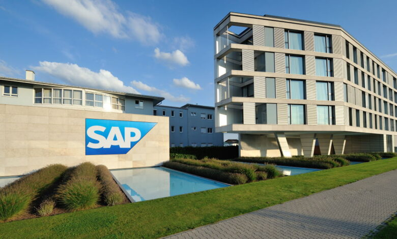 Photo of SAP presents quarterly figures and an outlook for 2021